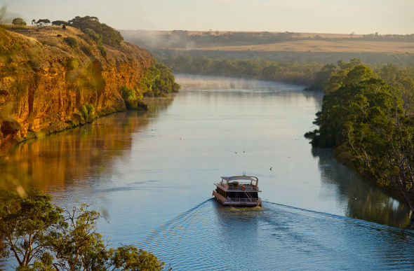 murray_river_houseboat